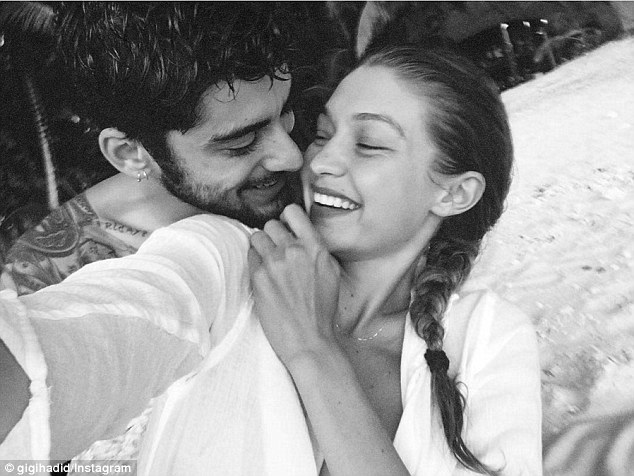 Gigi Hadid & Zayn Malik Look Super Cute On Holiday