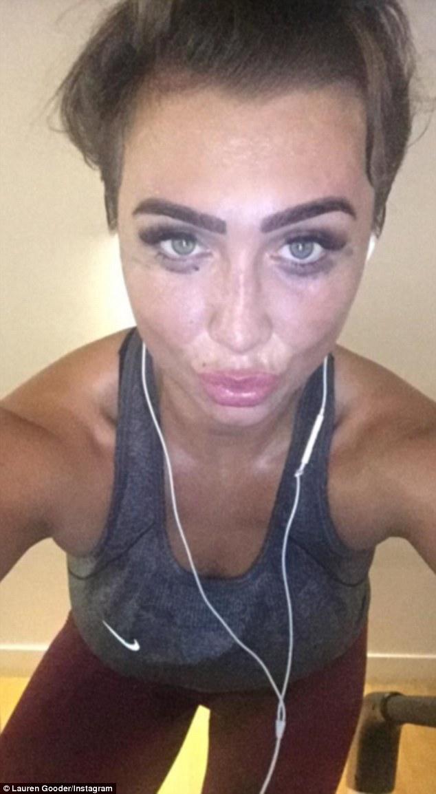 lauren-goodger-shes-sweaty-selfie-after-gym-workout