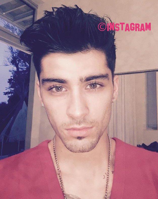 Zayn Malik Shows Off Clean Shaven Face In New Selfie